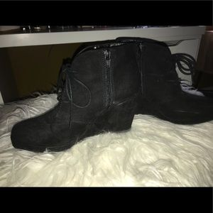 Black booties shoes